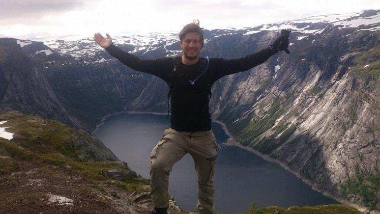 Rune i Hafrsfjord back image