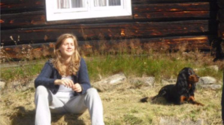Celine i Trondheim back image