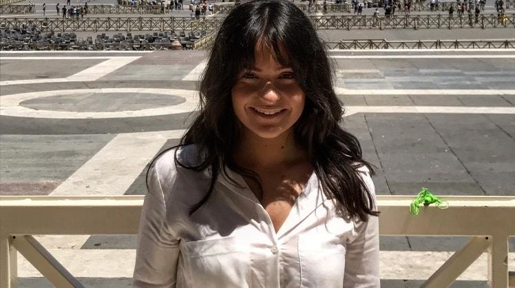 Jessica in Melbourne back image