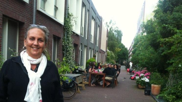 Saskia in Amsterdam back image