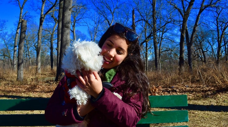 Melina in Toronto back image
