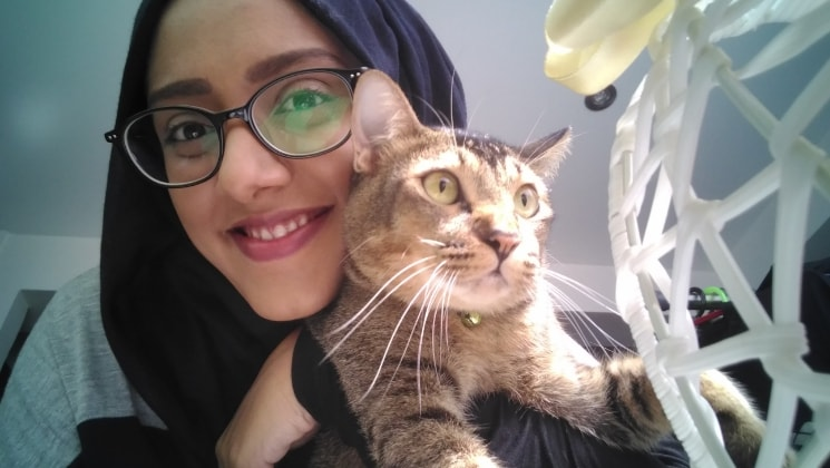 Faiza in Singapore back image