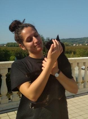 Carlotta in Montpellier back image