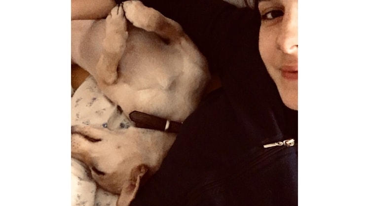 Zeynep a Milan back image