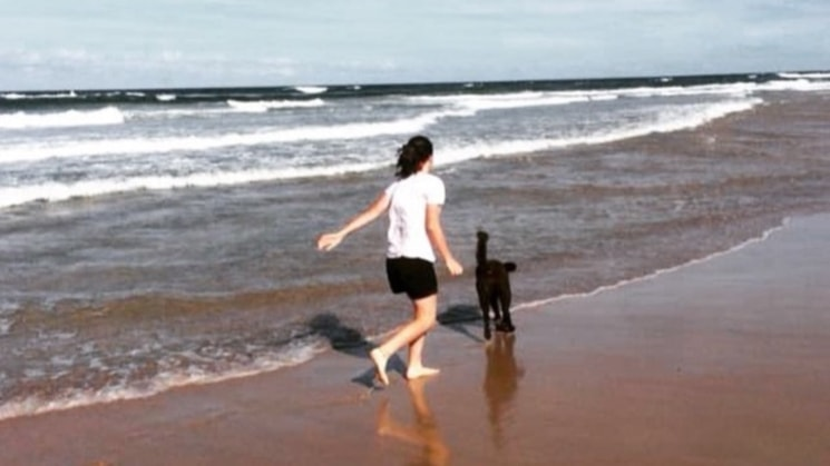 Lauren in Brisbane back image
